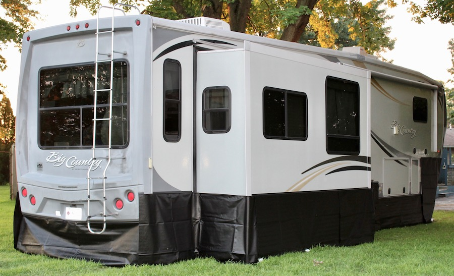 What is RV Skirting?